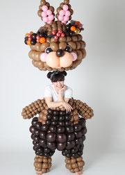 野村昌子×着ぐるみバルーン「うさぎの着ぐるみバルーン」