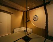 閑々居 画廊の中の茶室