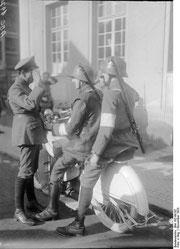 Bundesarchiv Bild 102-00197 (Preparation for the putsch); Roller