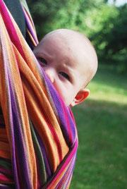 bébé porté en écharpe