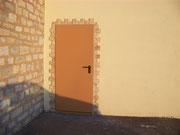Remplacement de la porte de service de la salle Gilbert Mercelat - Mars 2012