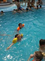 子供たちには船のプールが一番楽しそうでした。