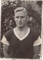 Heinz Warnken, 1933 (1. Nationalspieler Bremens)