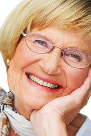Hohe Lebensqualität mit gut sitzenden Zahnprothesen. Zahnersatz wie teuer