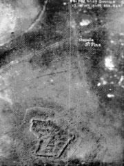 Luftaufnahme des Forts vom 01.07.1916 (Ansichtstafel)