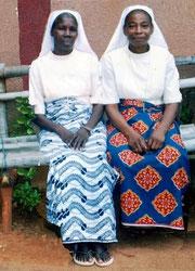 Soeur Agathe, directrice (à droite)