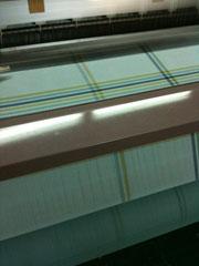 表と裏を違う柄で同時に織る袋織の技術