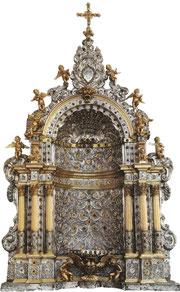 Baldaquin eucharistique. Argent fondu, ciselé et repoussé, patiellement doré, pierres précieuses. Messine, 1665