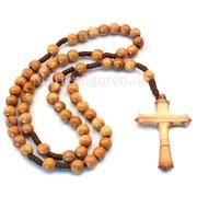 Olivenholz pur: Nicht nur die Perlen, auch das kunstvoll geschnitzte Kreuz des geknüpften Rosenkranzes bestehen aus Olivenholz - mit sehr schöner Maserung!