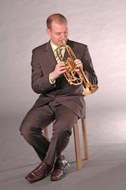 Marc Bühler mit seiner Monke Trompete