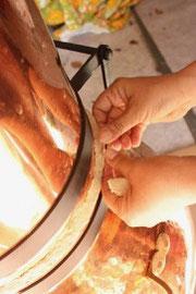 gestuelle ancestrale alambic distillation