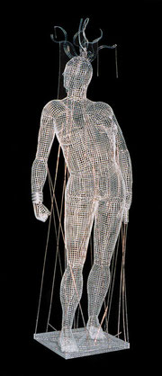 Dirigible. 2000. Wire mesh, copper wire, silver. 210 x 60 x 60cm. Private collection. © Charles Rocco