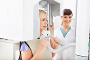 Schneller und strahlungsärmer: Digitales Röntgen (© Tyler Olson - Fotolia.com)
