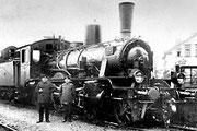 Zuglok an der Westseite der Güterabfertigung um 1925