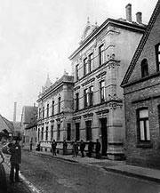 Hotel Barkey an der Kökerstraße, heute Bäckerei Birkholz und Goldschmiede Haines.