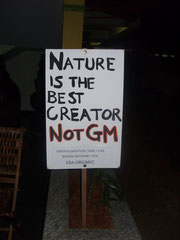 """Green Path"" environmental hotel after a demonstration against GMOs: ""Nature is the best Creator, not GM"""