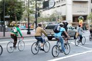 ダイエット効果が高く、CO2も排出しない自転車通勤は世界中で広がっている