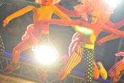 本格的な照明のステージで踊ろう!