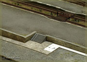 Treppe zur Bahnhofsebene mit Kinderwagenrollbahn