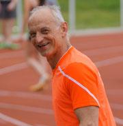 Heinz Zantopp (M65) startet über 60m