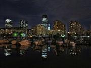 """Marina by night - hier um die Ecke """"wohnen"""" wir..."""