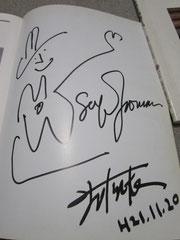 5年前、楽譜本にもらったサイン^^