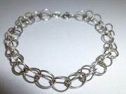 luftiges Silberarmband aus Silberösen
