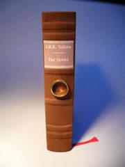 """""""Der kleine Hobbit"""" in braunem Ledereinband"""
