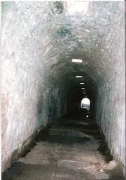 アスクレピオン遺跡 暗示用地下道