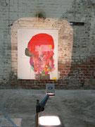 00, 2012, Grundierweiß auf Leinwand, 130 x 110 cm, OH-Projektor