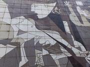 """Reproducción del """"Guernica"""" de Picasso."""