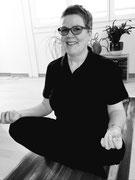 Marion Maurer praktiziert Yoga, Frühling 2020