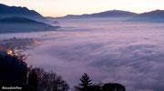 Luino Avvolta nella nebbia