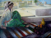 Femme sur la terrasse