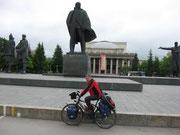 Abfahrt in Novosibirsk,Verabschiedung von Lenin