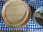 christmasにもお正月にも使えそうな木の皿