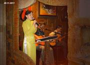 Mạch Huệ Bình hát tặng Thầy bài Dấu chân địa đàng