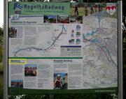 Wir starteten zum Stadtspaziergang am Uferweg der Regnitz . . .