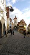 Das schmale Fachwerkhaus «Plönlein» gilt wohl als bekanntestes Fotomotiv von Rothenburg ob der Tauber