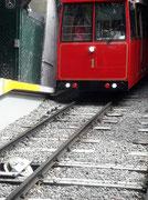 1902 startete die erste Bahn . Die heutige Bahn von 1979 ist eine Schweizer Konstruktion der Firma Habegger aus Thun