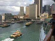 Ausfahrt aus dem Hafen von Sydney