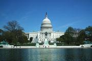 Spaziergang in der grossen Parkanlage mit Blick auf das Capitol
