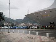 Unser Schiff MSC Opera parkt «mitten in der Stadt»
