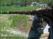 Über Brücken führt die Schmalspur . . .