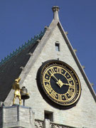 Der goldene Kirchturmglocken-Schläger kommt bald in Aktion . . .