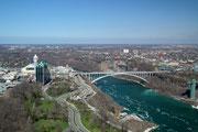 Blick auf die Brücke die Kanada mit Amerika verbindet