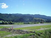 Der kleine Flugplatz für Inlandflüge beherbergt auch eine Basis der «RNZAF - Royal New Zealand Air Force»
