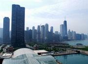 Blick vom Riesenrad am «Navy Pier» auf die Skyline von Chicago
