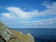 Auch die Sicht aufs tiefblaue Meer ist fantastisch