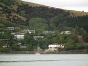 Auch da hübsch im Grün eingebettet die kleinen Häuser, bzw. vor allem Ferienhäuser